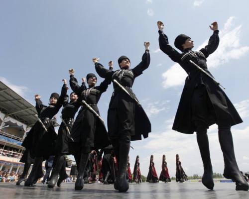رقص آذری یک نوع  ورزش