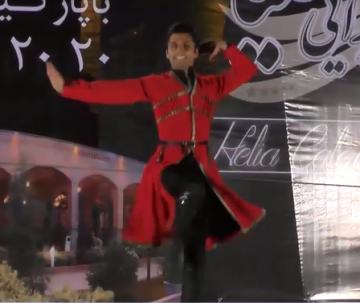 اجرای زیبای رقص آذربایجانی ( شهریار ) توسط بهراد کفیلی
