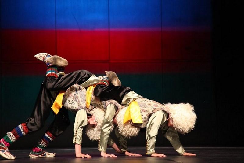 گروه رقص آذربایجانی